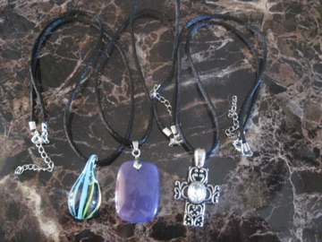 thrifty gift ideas necklaces