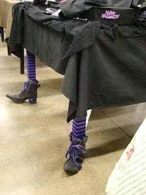 witches table legs