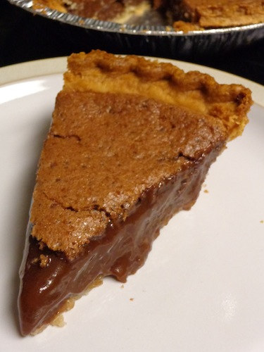 Looking for easy desserts? Well, look no further because this {From Scratch} Chocolate Pudding Pie is perfect for those who are crunched for time. You'll have it in the oven in a snap!